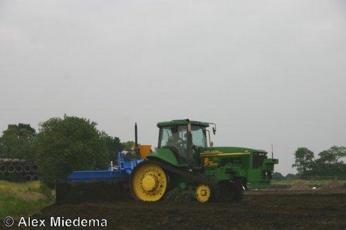 Foto van een John Deere tijdens TKD 2008. Meer beelden van dat evenement kun je vinden op http://alexmiedema.nl/2014/01/07/technische-kontakt-dagen-2008-barneveld/