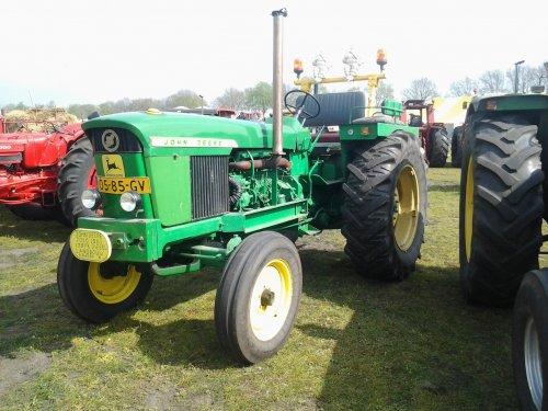 Foto van een John Deere 3010, bezig met poseren. tractorshow reusel. Geplaatst door markvdboer op 07-04-2014 om 10:10:17, met 2 reacties.