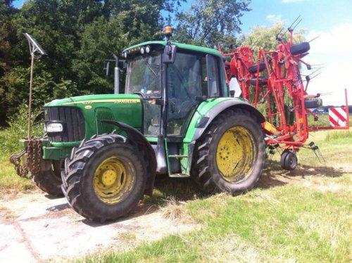 John Deere 6220. Geplaatst door trekkerfanz-h op 01-07-2014 om 20:49:16, op TractorFan.nl - de nummer 1 tractor foto website.