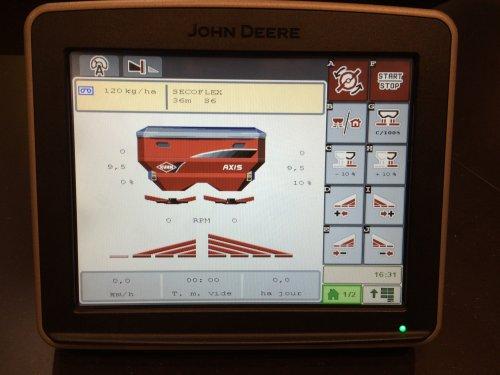 Foto van een John Deere StarFire, bezig met poseren.  ISOBUS klaar, zit er standaard fabriek af in, geen extra activatie nodig.