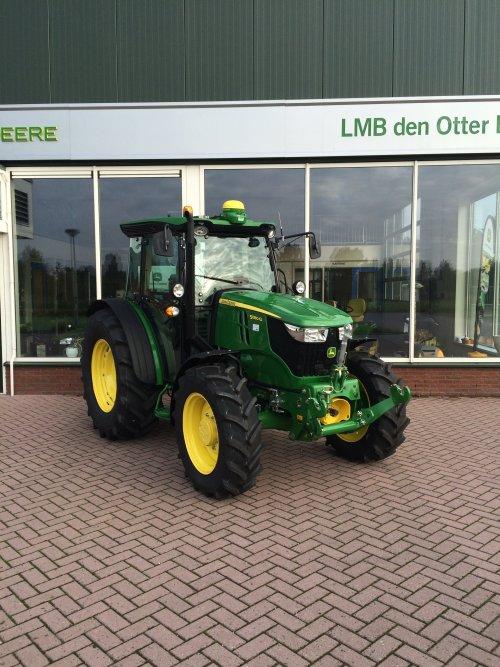 John Deere 5080 G van GdenOtter