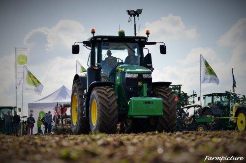 Weer een foto van werktuigdagen 2015. Geplaatst door Jan Ramon op 24-11-2015 om 17:46:51, op TractorFan.nl - de nummer 1 tractor foto website.