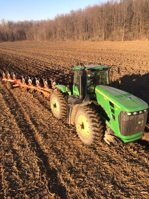 Foto van een John Deere 9230, Canada maple shadow farms. Geplaatst door steyrdriver op 13-12-2015 om 22:09:53, op TractorFan.nl - de nummer 1 tractor foto website.
