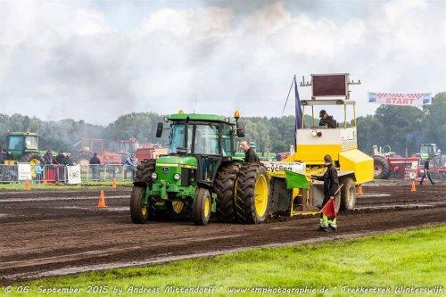 Foto van een John Deere 2140. Geplaatst door JD2140 op 10-01-2016 om 21:20:40, op TractorFan.nl - de nummer 1 tractor foto website.
