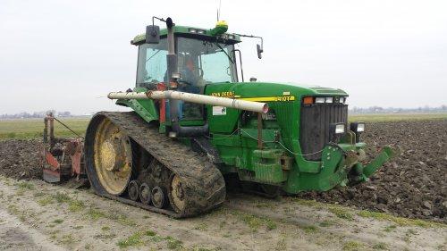 aardappelland spitten over de vorst met jd 8410T en gramegna krukas spitmachine. Geplaatst door larss op 18-02-2016 om 16:01:58, op TractorFan.nl - de nummer 1 tractor foto website.