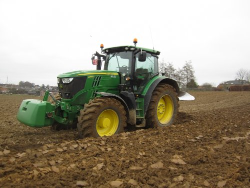 Foto van een John Deere 6210R. Geplaatst door jdeutz6190 op 20-03-2016 om 12:58:27, op TractorFan.nl - de nummer 1 tractor foto website.