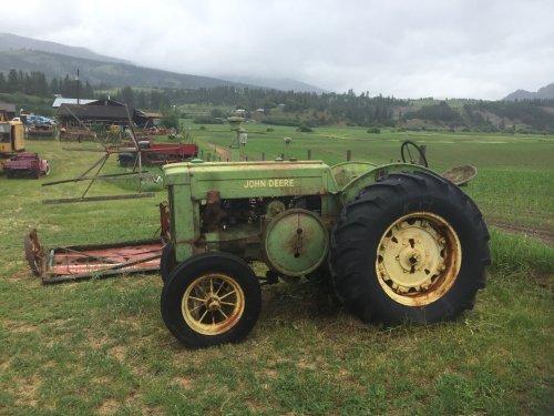 Foto van een John Deere D. Foto gekregen van een kennis en is genomen bij de o'keefe historic ranch in Vernon, Brits-Columbia, Canada  https://okeeferanch.ca/ranch-history/story