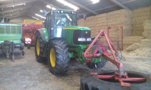 Foto van een John Deere 6620 net schoongemaakt. Geplaatst door klaasjan op 01-04-2016 om 08:54:56, op TractorFan.nl - de nummer 1 tractor foto website.