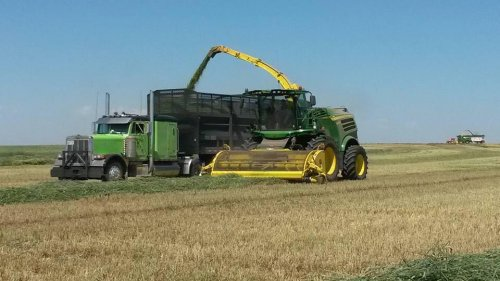 John Deere 8700i