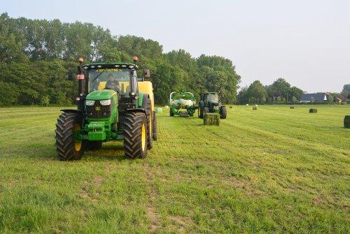 Foto van een John Deere Meerdere, Landbouwwerken Lieven Putman. Geplaatst door nicolas 6930 op 30-05-2016 om 19:28:53, op TractorFan.nl - de nummer 1 tractor foto website.