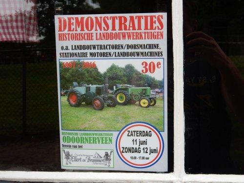 Foto van een John Deere Logo. Geplaatst door jans-eising op 12-06-2016 om 20:46:31, op TractorFan.nl - de nummer 1 tractor foto website.