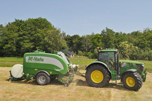 Matcht goed die McHale en John Deere !. Geplaatst door SiegerJD op 13-06-2016 om 19:07:48, op TractorFan.nl - de nummer 1 tractor foto website.