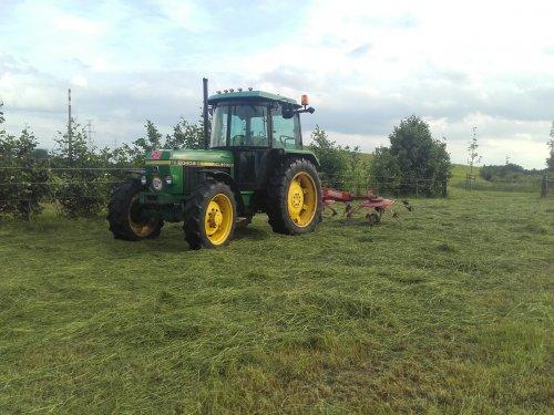 Vandaag onze eerste snede gemaaid. Geplaatst door samie op 19-06-2016 om 21:42:45, op TractorFan.nl - de nummer 1 tractor foto website.