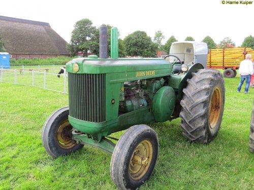 Foto van een John Deere AR , oldtimerdag Oudebildtzijl 2016. Geplaatst door oldtimergek op 16-07-2016 om 00:42:17, op TractorFan.nl - de nummer 1 tractor foto website.
