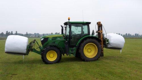 Op deze foto is Mulder - Eykelkamp (Zwolle) × actief met een John Deere 6125R .. Geplaatst door gerben op 23-07-2016 om 21:35:04, op TractorFan.nl - de nummer 1 tractor foto website.