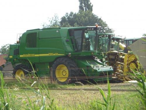 28/07: Een John Deere 9780i CTS, een van de vele machines die in Esbeek klaar staan en komende dagen geveild wordt via de internetveiling van Epic-Auctions.