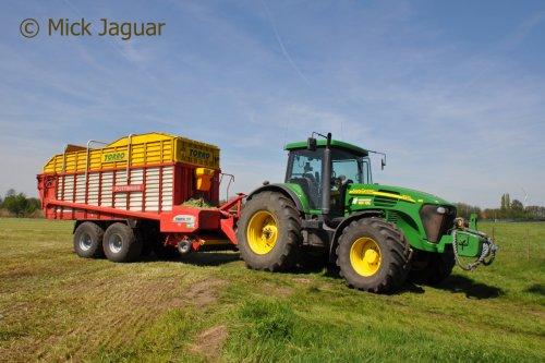 John Deere 7720 met Pöttinger Torro 5100, bezig met gras oprapen. Loonbedrijf Van Hal uit Eede (NL)  Filmpje? -> https://www.tractorfan.nl/movie/44871/