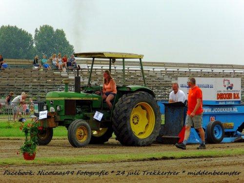 Trekkertrek Middenbeemster 2016. Geplaatst door NicolaasK op 04-08-2016 om 20:19:46, op TractorFan.nl - de nummer 1 tractor foto website.