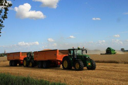 Foto van een John Deere Meerdere. Geplaatst door alfredo op 08-08-2016 om 19:48:11, op TractorFan.nl - de nummer 1 tractor foto website.
