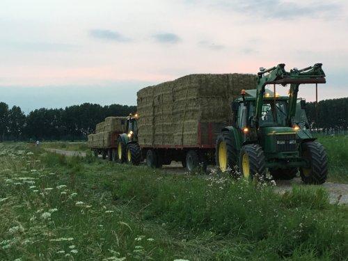 Foto van een John Deere Meerdere. Geplaatst door ties6110 op 19-08-2016 om 22:21:09, op TractorFan.nl - de nummer 1 tractor foto website.