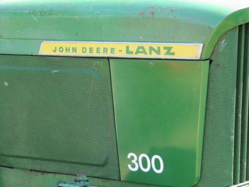 Foto van een John Deere Lanz 300. Geplaatst door jans-eising op 29-08-2016 om 15:21:11, op TractorFan.nl - de nummer 1 tractor foto website.