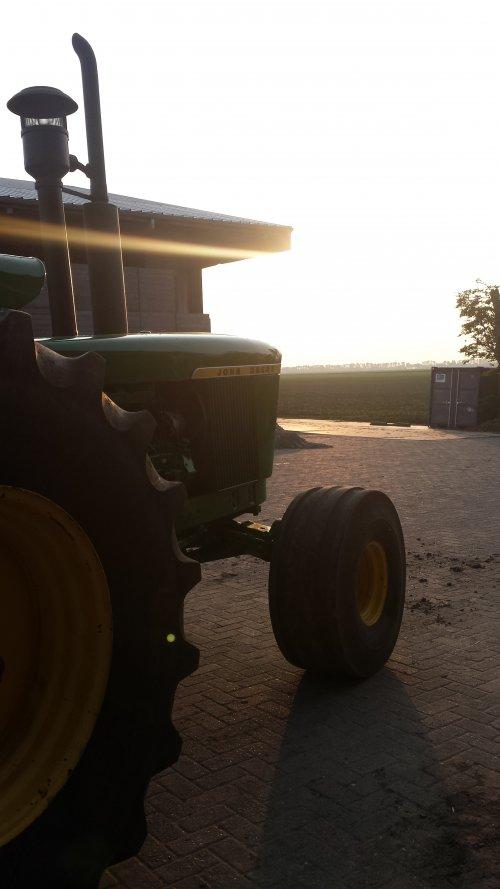 Foto van een John Deere 6030. Geplaatst door RobinBos op 02-09-2016 om 21:43:00, op TractorFan.nl - de nummer 1 tractor foto website.