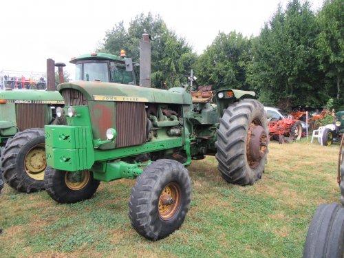 Foto van een John Deere 4520. Geplaatst door erik9831 op 04-09-2016 om 15:00:51, op TractorFan.nl - de nummer 1 tractor foto website.
