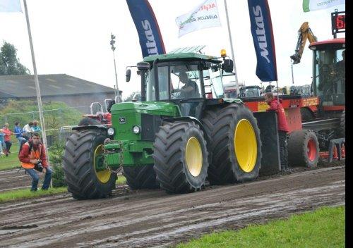 Foto van een John Deere 3650     [@Davie Landinifan] bedankt voor de foto. Geplaatst door johndeere 2650 op 08-09-2016 om 18:45:10, op TractorFan.nl - de nummer 1 tractor foto website.