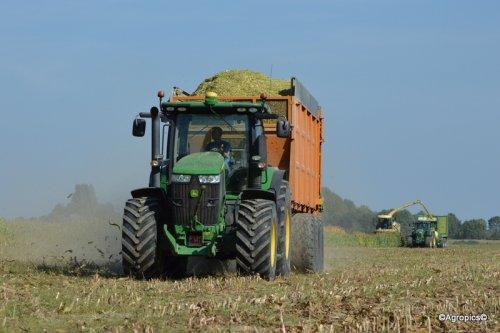 Foto van een John Deere 7230R. Geplaatst door KennyT op 25-09-2016 om 10:20:40, op TractorFan.nl - de nummer 1 tractor foto website.