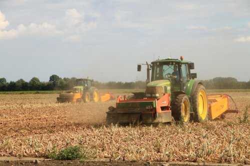 Foto van een John Deere 6920. Geplaatst door alfredo op 03-10-2016 om 11:04:21, op TractorFan.nl - de nummer 1 tractor foto website.