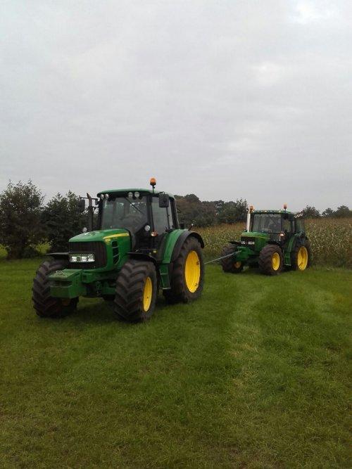 Foto van een John Deere Humor als je Zelf nie op je trekker zit is het speelkwartier denk. Geplaatst door johndeere6910forever op 14-10-2016 om 18:45:07, op TractorFan.nl - de nummer 1 tractor foto website.