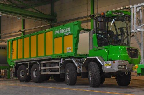 opendeurdag bij het Joskin fabriek in Soumagne  Joskin Cargo-Truck. Geplaatst door jd7920 op 06-01-2020 om 19:37:33, met 4 reacties.