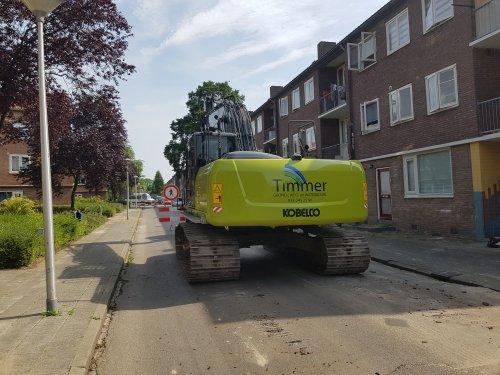 In Amersfoort op werk begonnen met riool reconstructie voor Timmer GWW met hun Kobelco 260. Mooie klus!