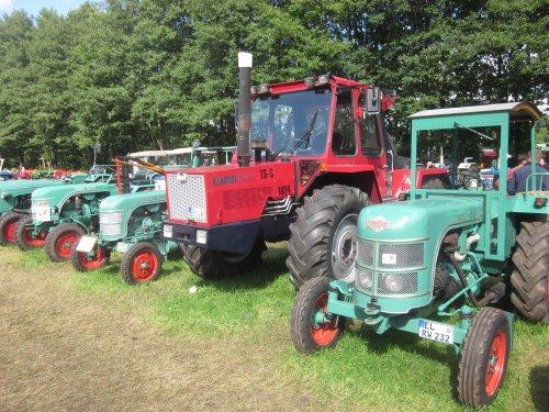 Foto van een Kramer 1014. Geplaatst door jordi 1455 op 09-11-2017 om 18:21:26, op TractorFan.nl - de nummer 1 tractor foto website.