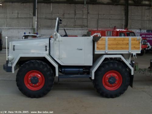 Foto van een Kramer U800, cabriolet mag weer de stalling in 😜  Foto van internet.. Geplaatst door Kramer U800 op 06-11-2019 om 21:57:55, met 6 reacties.