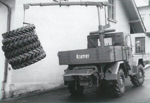 Foto van een Kramer U800, geleverd met laadkraan en S & R lier, jaren '60.. Geplaatst door Kramer U800 op 15-08-2020 om 22:27:42, met 11 reacties.