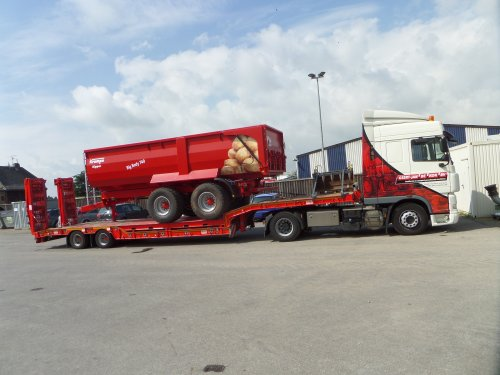 Krampe Big Body 740 van JD6930