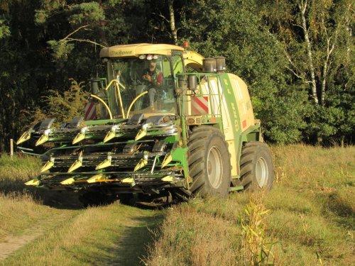 Foto van een Krone Big X 1100. Geplaatst door jans-eising op 12-12-2016 om 19:56:33, op TractorFan.nl - de nummer 1 tractor foto website.