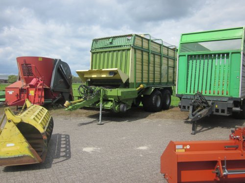 Foto van een Krone onbekend/overig. Geplaatst door jordi 1455 op 12-05-2017 om 19:12:47, op TractorFan.nl - de nummer 1 tractor foto website.