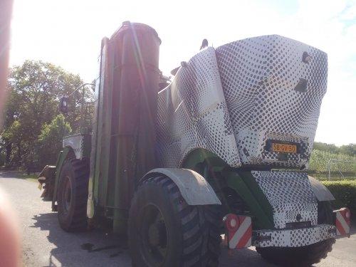 Foto van een Krone Prototype 450. Geplaatst door selectford op 14-05-2017 om 10:46:53, op TractorFan.nl - de nummer 1 tractor foto website.