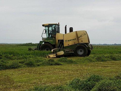 Foto van een Krone Big M II. Geplaatst door jans-eising op 12-06-2017 om 18:20:07, op TractorFan.nl - de nummer 1 tractor foto website.