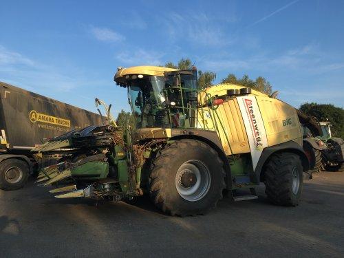 Foto van de Krone Big X 1100 van Steenweg Landwirtschaftliche Dienstleistungen GmBh. Hier mocht ik een week naast rijden. Wat een heerlijk beest!