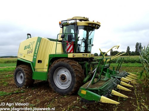 Foto van een Krone Big X 500, Loonbedrijf van Es uit Rossum aan het mais hakselen. ZIE OOK DE VIDEO  https://youtu.be/Pj_QTobbj24