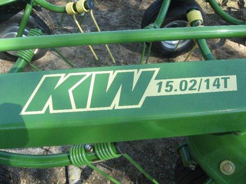 Foto van een Krone KW15.02/14T, bezig met gras schudden. nieuwe schudder. Geplaatst door sloot op 13-05-2008 om 21:18:44, op TractorFan.nl - de nummer 1 tractor foto website.