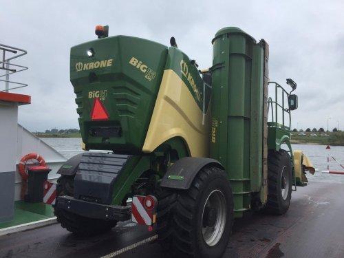 Krone Big M 450 lekker aan t varen. Geplaatst door Loonwerker_Erwin op 18-08-2019 om 15:36:32, met 6 reacties.