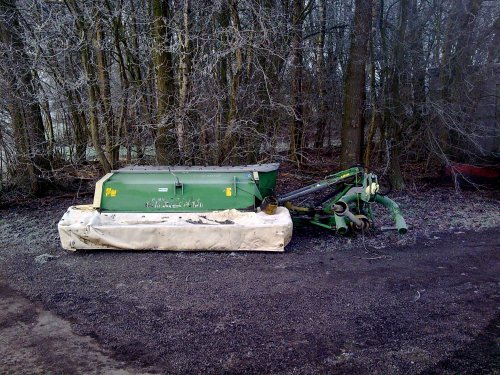 Foto van een Krone AM 243, bezig met poseren. Good Old Times... Geplaatst door Jarno1h op 02-01-2010 om 20:49:26, met 5 reacties.