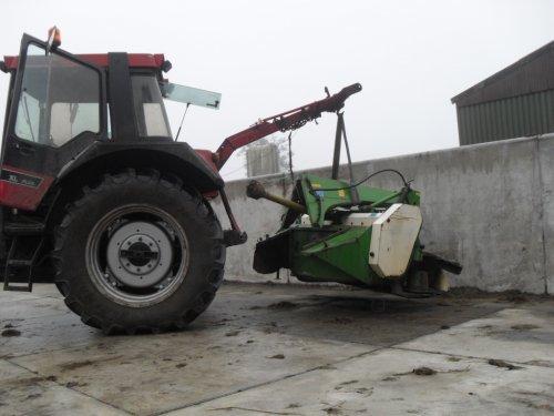 Foto van een Krone AM 243.  Doei maaier :( Eindelijk wat verkocht via http://www.vrijdagveiling.nl !