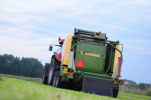 Loonbedrijf Ungersma. Geplaatst door JJ96 op 06-07-2011 om 20:24:47, op TractorFan.nl - de nummer 1 tractor foto website.