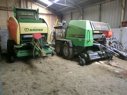 ff de persjes naast elkaar gezet, dit jaar er weer flink tegenaan :). Geplaatst door 1455ihpowerzz op 27-05-2012 om 16:12:33, op TractorFan.nl - de nummer 1 tractor foto website.