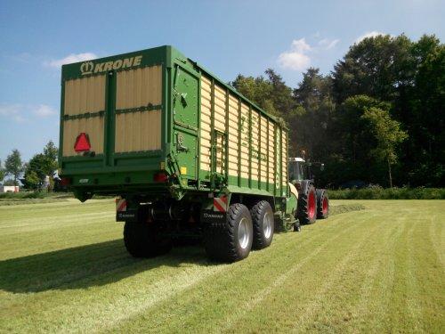 Foto van een Krone ZX 450 GD, bezig met gras inkuilen.. Geplaatst door lintelll op 21-05-2014 om 09:19:52, op TractorFan.nl - de nummer 1 tractor foto website.